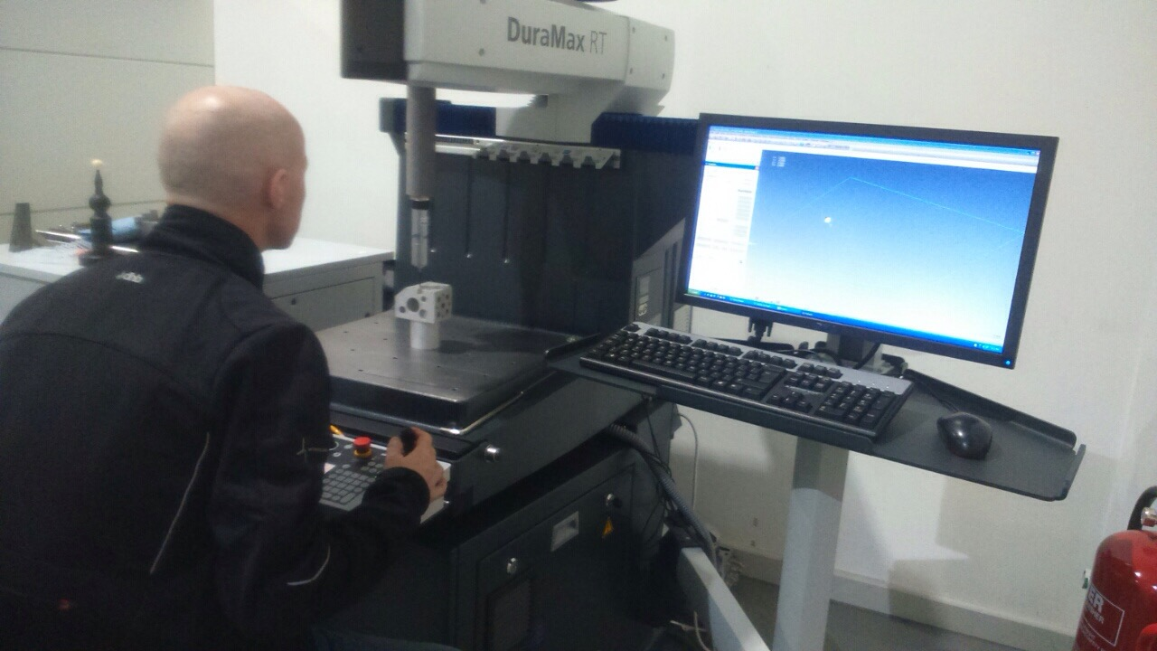 Training in the use of our brand new Zeiss Duramax CMM